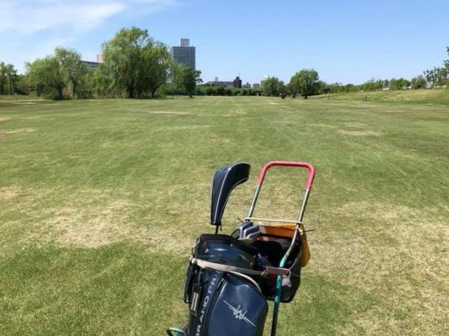 赤羽ゴルフ倶楽部手引きカート写真